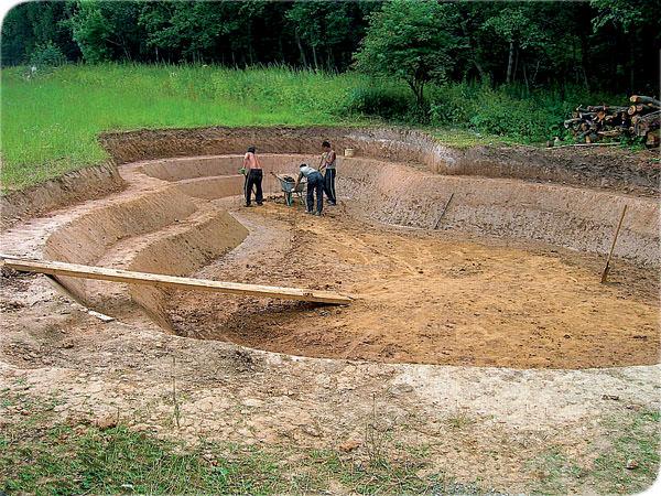Пруд водоём гидроизоляция из глины стоимость наливной пола материалы