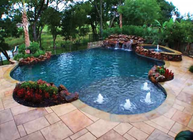 Как украсить пруд фонтанами