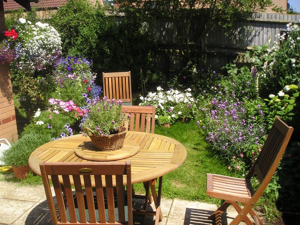 Изготовление садового стола своими руками