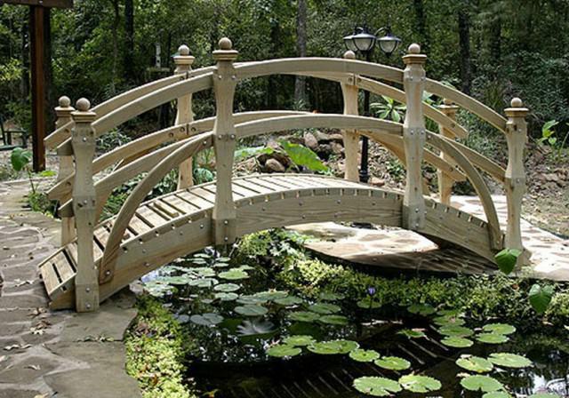 Чем украсить мостик в сад