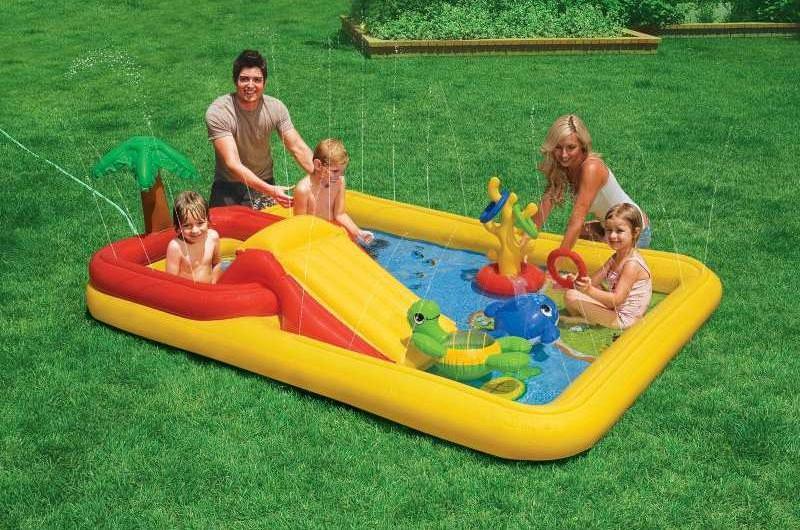 Надувной сухой бассейн с шариками
