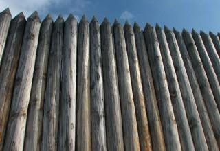 Забор частокол на участке