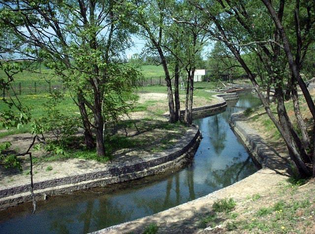 Как укрепить берег Реки самому?