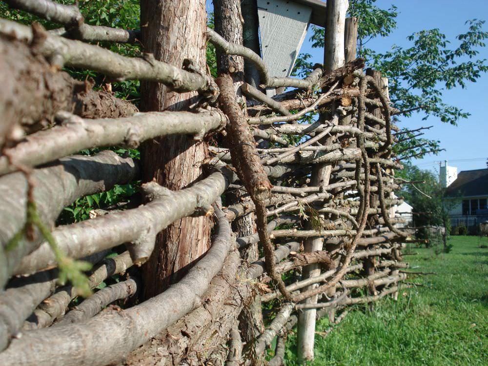 Заборчик из прутьев своими руками 429