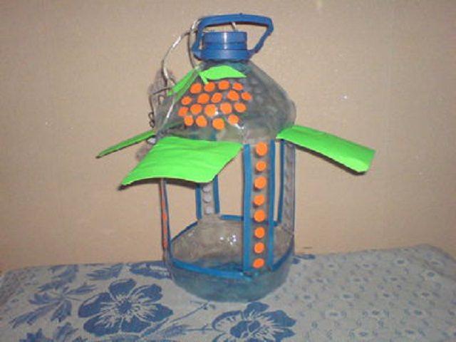 Скворечник своими руками из пластиковых бутылок фото