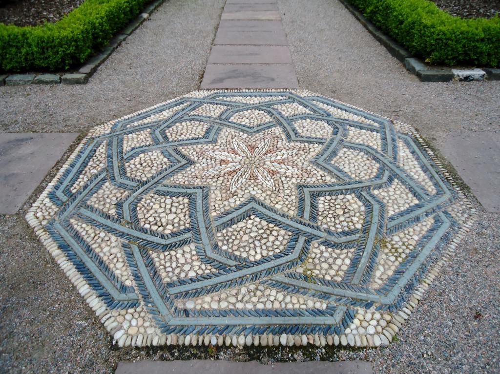 Мозаика для сада своими руками