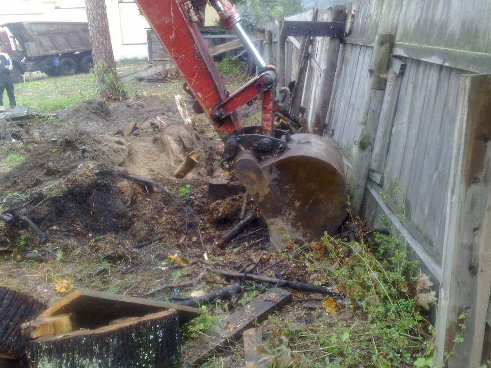 Первым этапом подготовительных работ является зачистка участка