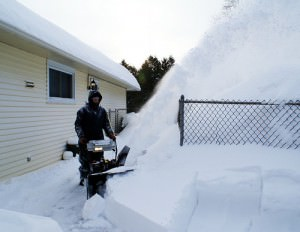 Как пользоваться снего уборочной машиной?