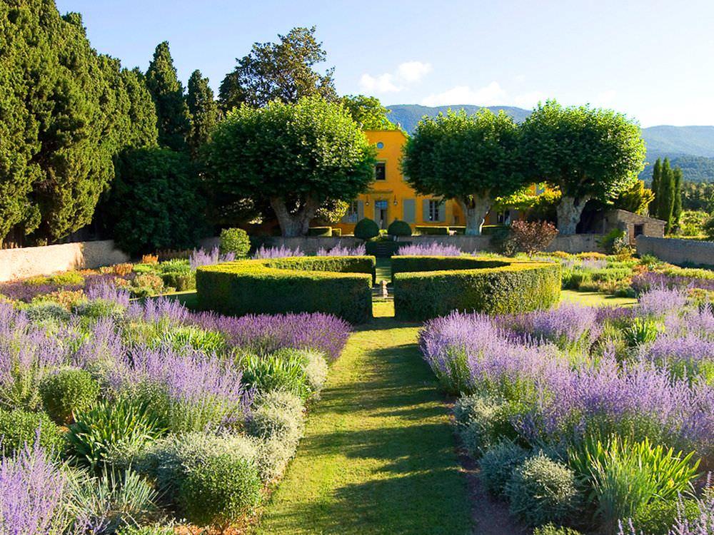 Сад в греческом стиле