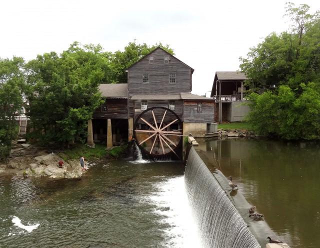 Чертеж водяной мельницы