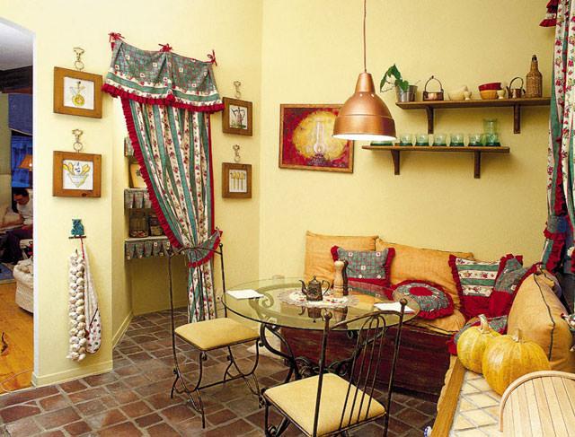 Интерьер маленького дачного дома