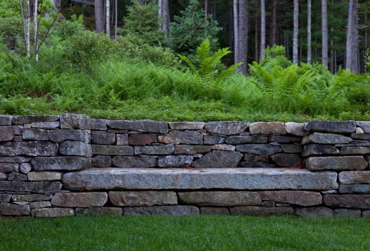 Садовая лавка из гранита