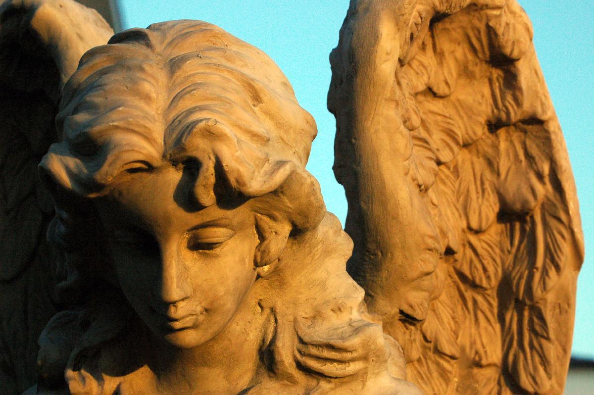 Древняя скульптура женщины