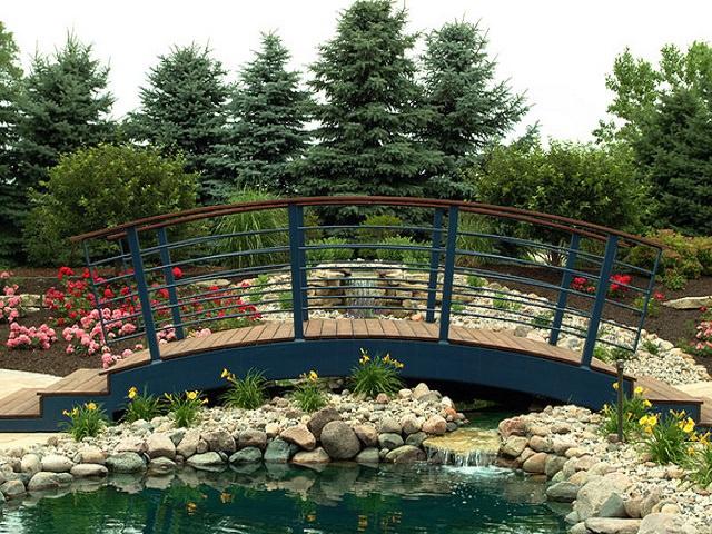 Декоративный мостик для сада своими руками