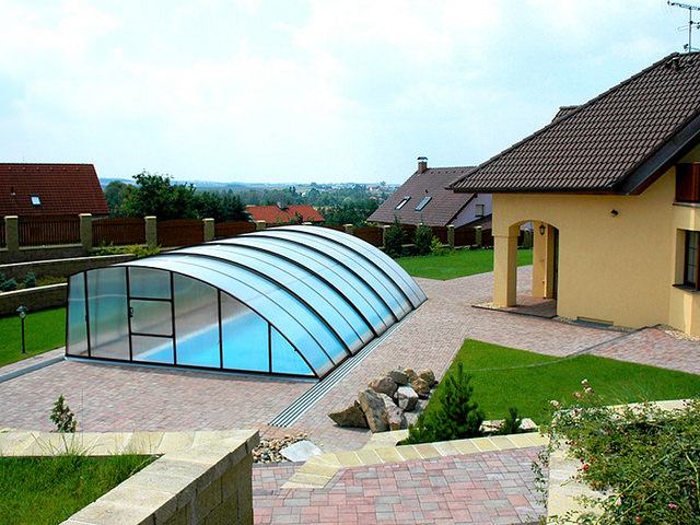 Круглый павильон для бассейна