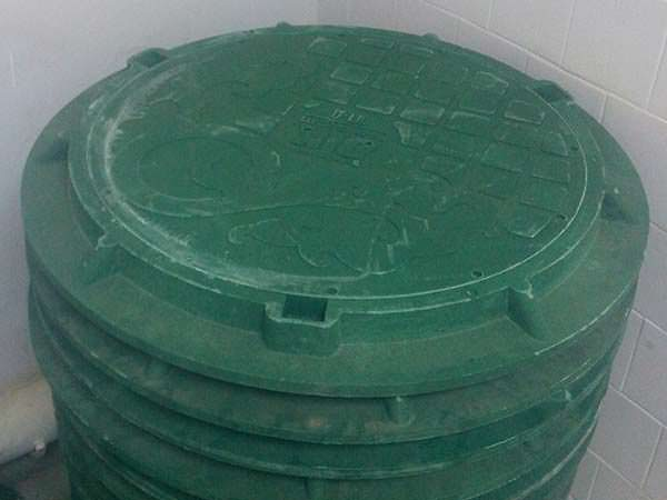 Декоративный люк для канализации
