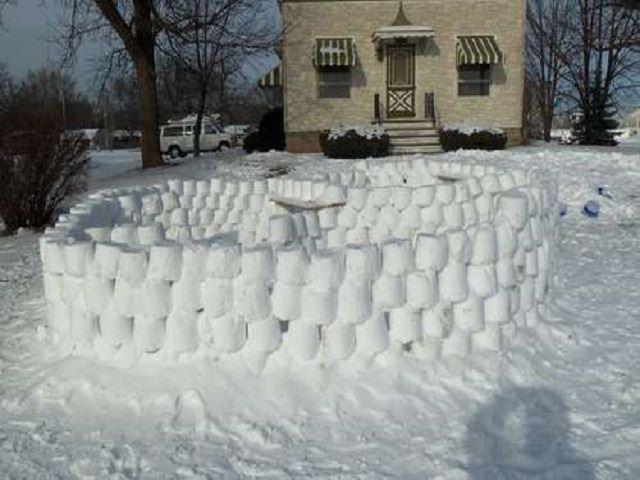 Снежная крепость своими руками поделка