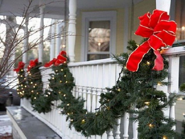 Как украсить крыльцо на новый год?