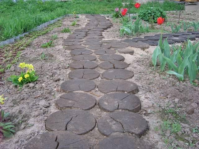 Облагородить бетонные дорожки