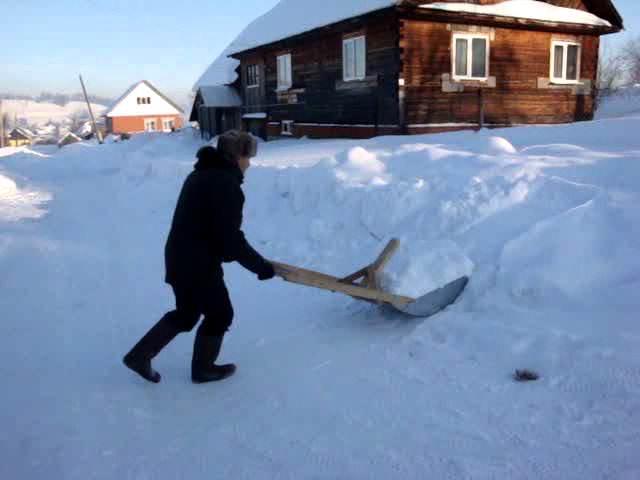 Снеговая лопата со шнеком