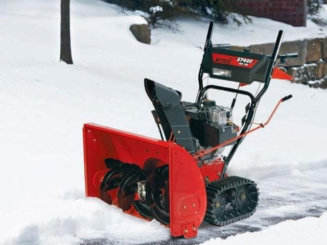 Лопата для уборки снега с шнеком