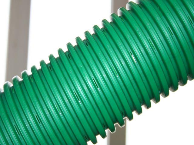 Пластиковая труба для дренажа