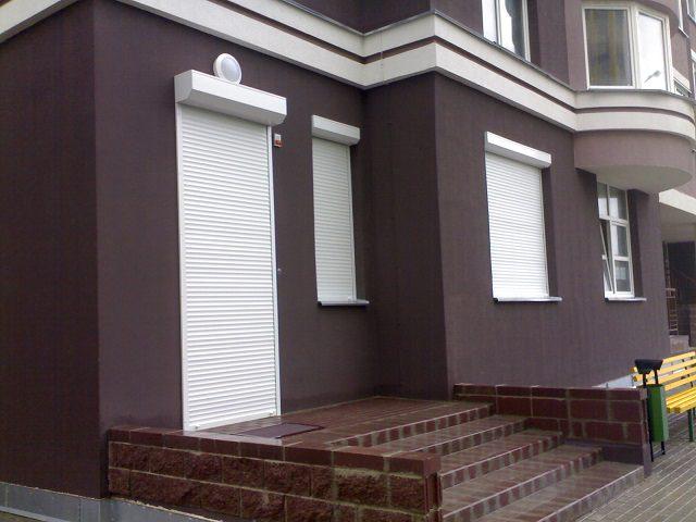 Рольставни на дверях и окнах