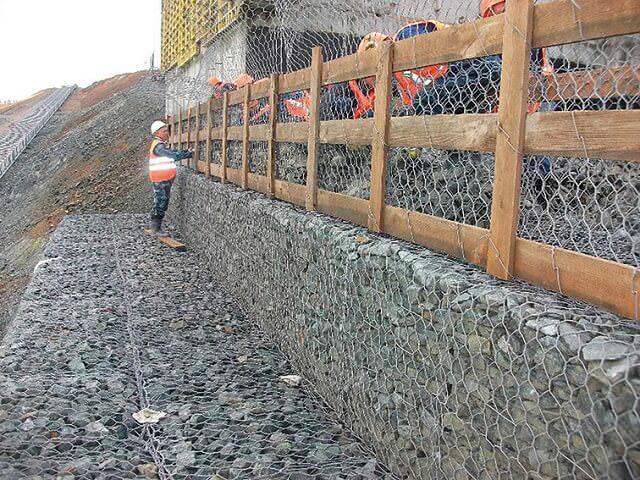 Монтаж стены из габионов маккаферри