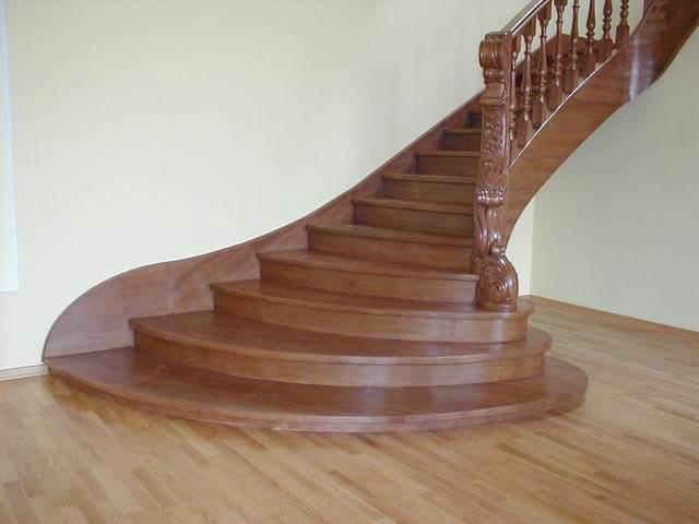 Деревянная лестница простые