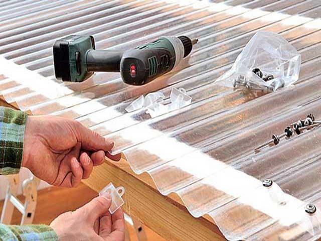 Постройка беседки на дачи из пластика