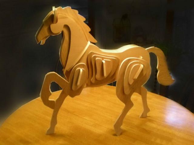 лошадь из фанеры