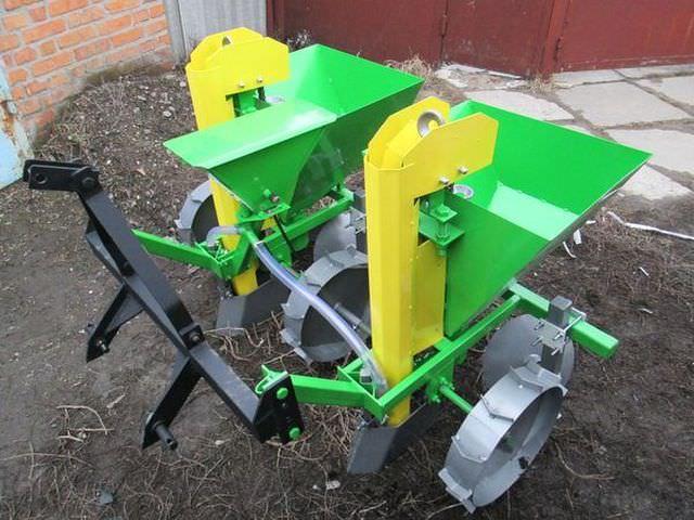 устройство для посадки картофеля