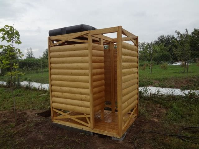 душевая кабинка из дерева