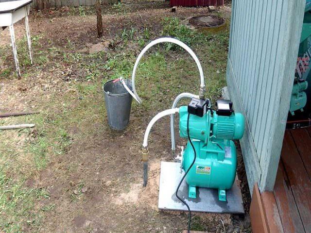 Скважина на даче для подачи воды