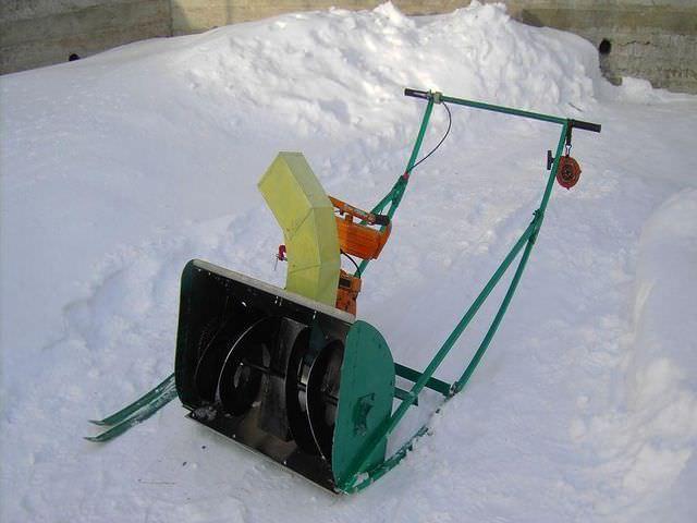 Техника для чистки снега дома