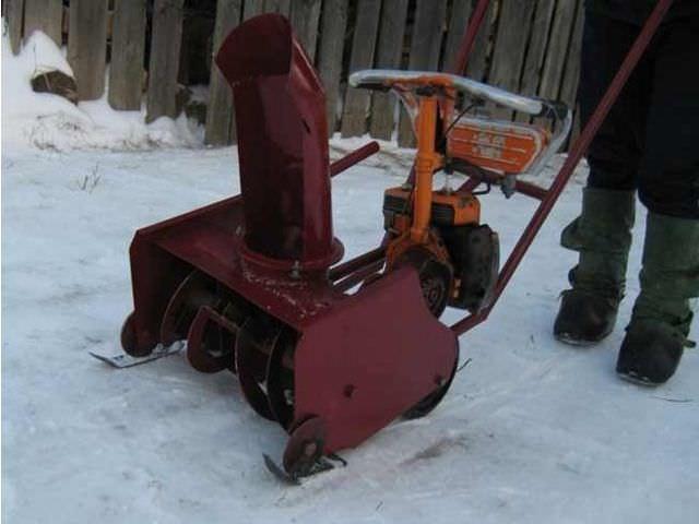 Самодельная техника для очистки снега зимой