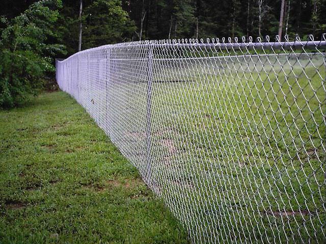 Секционные изгороди для дачного участка